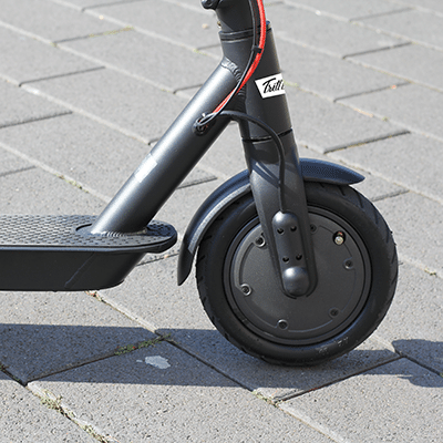 Schlauchreifen am E-Scooter Kalle von Trittbrett